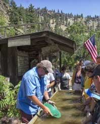 Gold Panning Tour, River Rafting